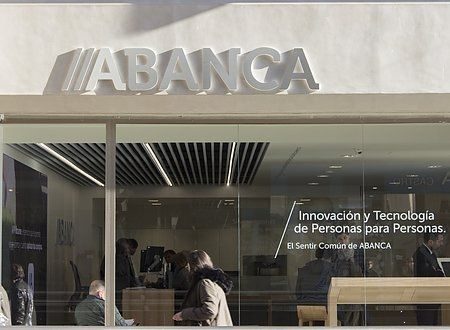 Abanca launches its first BlockChain office!